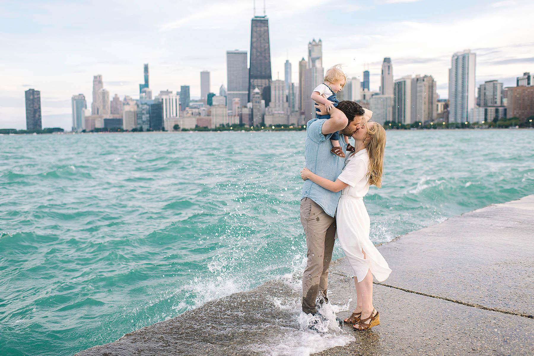chicago-family-photographer-skyline-beach